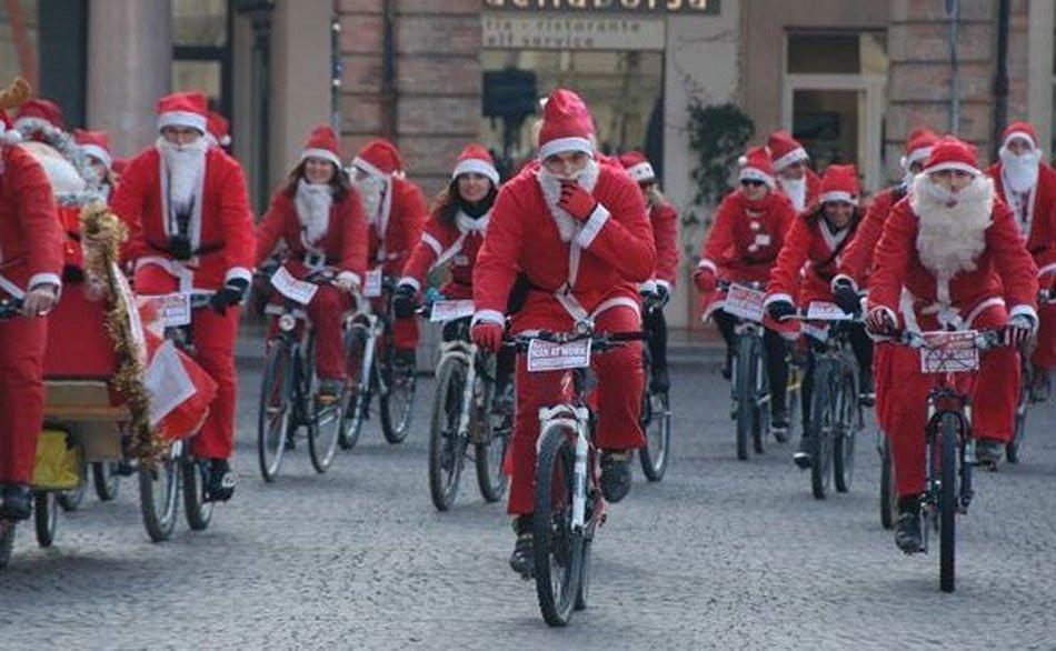 Babbo Natale In Bicicletta.3 Raduno Babbo Natale In Bicicletta Porto Recanati