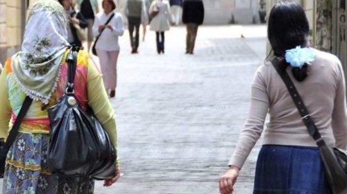 Donne Rom Furto Porto Recanati