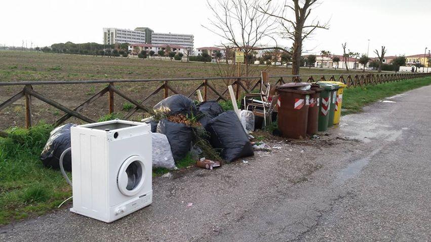 Immondizia Scossicci Porto Recanati