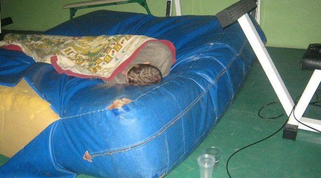 Trovati in palestra mentre dormivano due ladri, sconvolta l'addetta delle pulizie